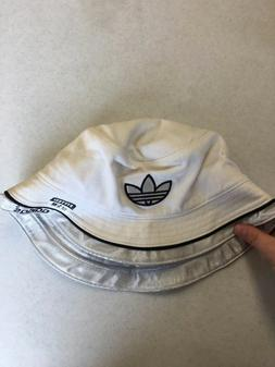 NWT ADIDAS WOMEN'S WHITE WITH SILVER BUCKET HAT SMALL/MEDIUM